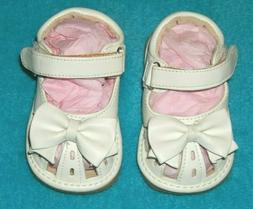 new size 2 infant toddler white squeaky
